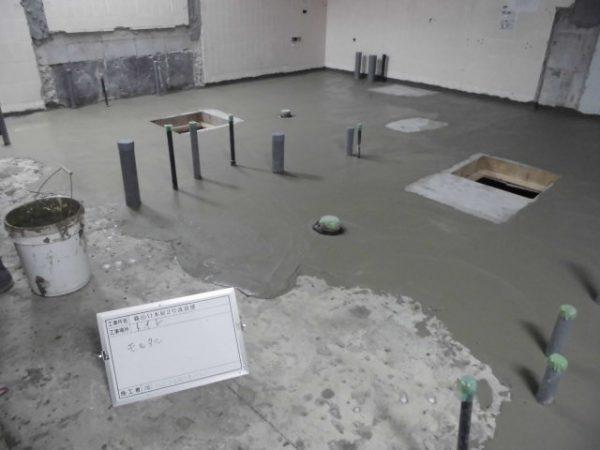 防水下地モルタル塗り