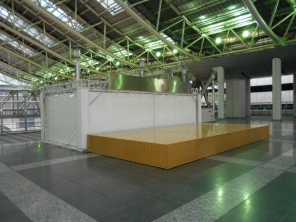 大阪駅時空の広場イベントステージ新設工事